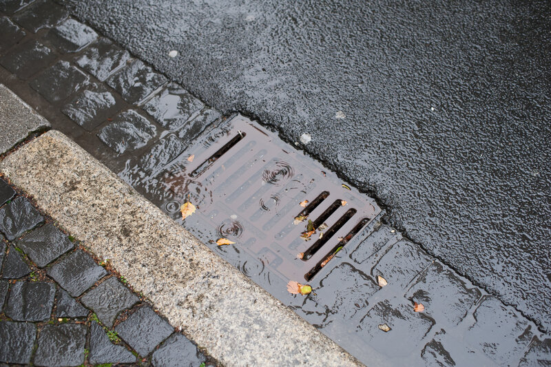 Blocked Drains Responsibility in UK United Kingdom